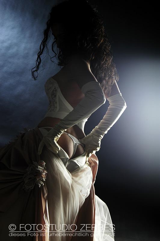 Aktfotografie Frauen Fotostudio Koeln Akt-Fotoshooting