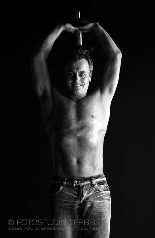Sexy Fotos mit Männern in Wäsche und Jeans. Fotostudio Zerbes Köln