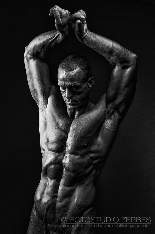 Aktfotoshooting Mann Fotostudio Koeln Akt-Fotografie