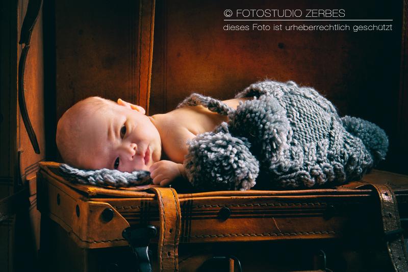 Newborn-Fotoshooting Köln, Fotos von Neugeborenen Babies, Newborns