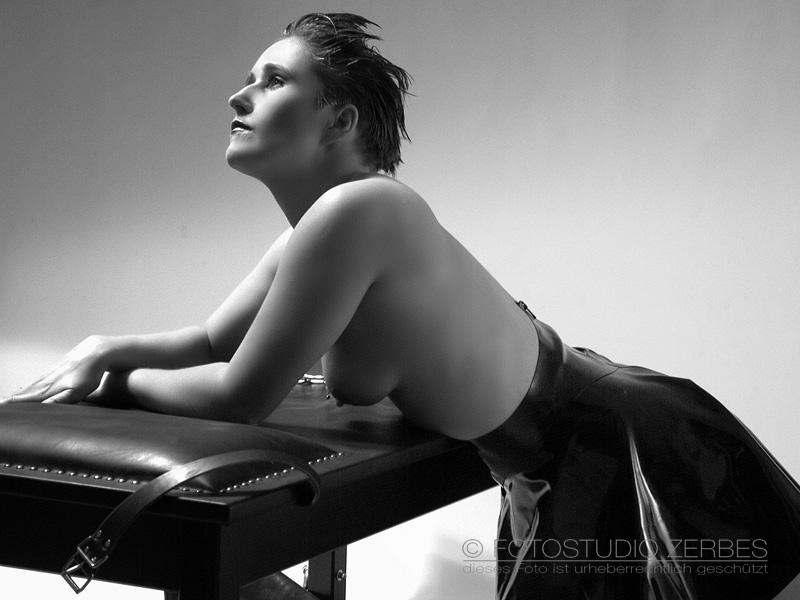Fetisch-Fotografie für Frauen, Männer und Paare Fotoshooting Fotostudio Köln