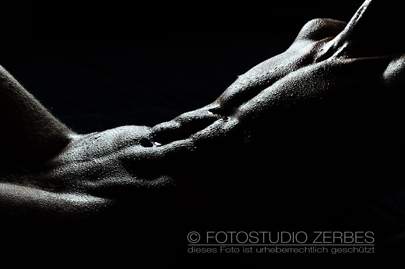 Aktfotoshooting Wet+Sexy – Aktfotografie mit Wasser - Maenner