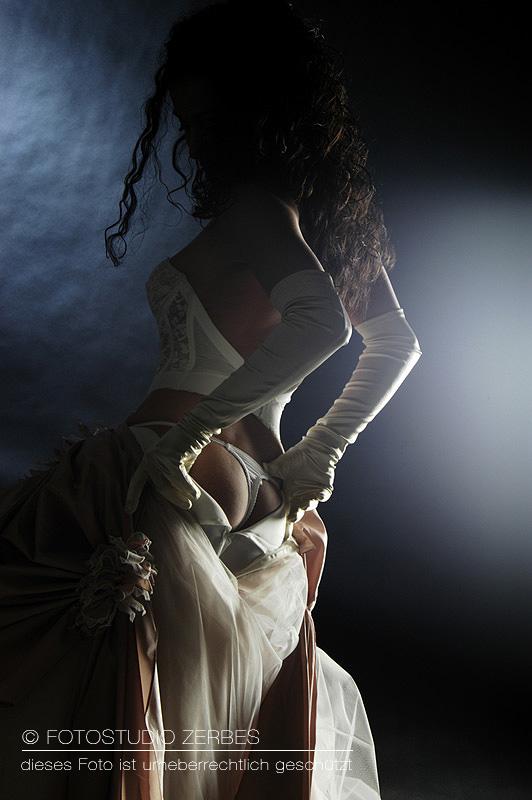 Dessous Fotoshooting Braut in Corsage Brautshooting Fotograf Koeln Fotostudio