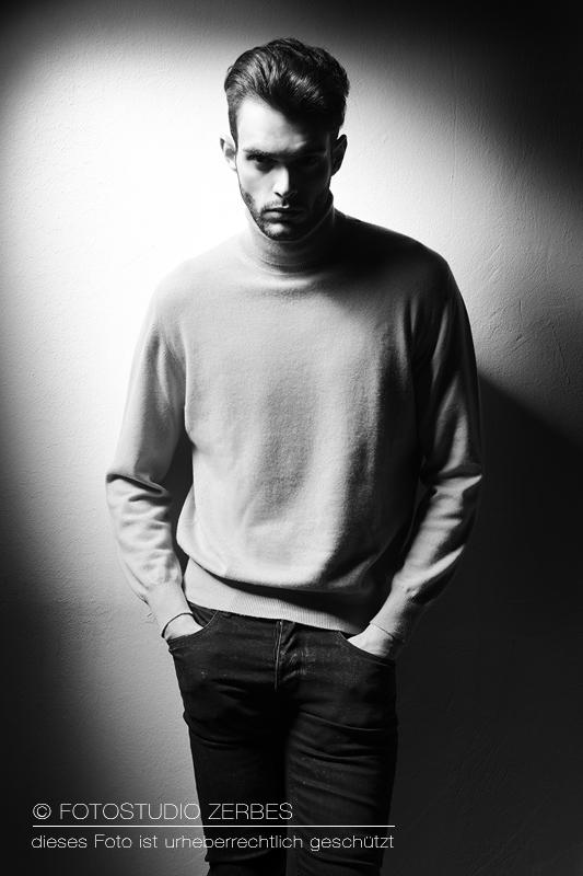 Porträt Fotoshooting Mann im Fotostudio in Köln