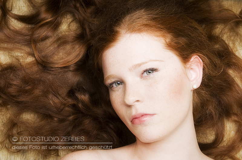 Beauty Portrait Fotoshooting mit Make Up