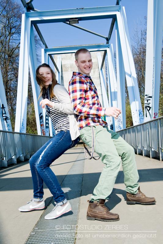 Outdoor Paar-Fotoshooting Köln, Fotos für Paare und Bestfriends