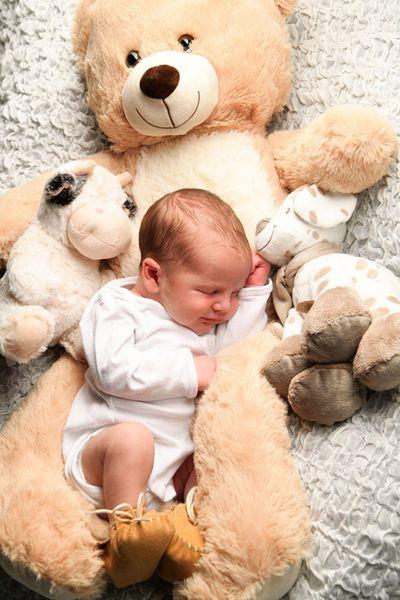 Alex – Newborn Fotoshooting in Köln