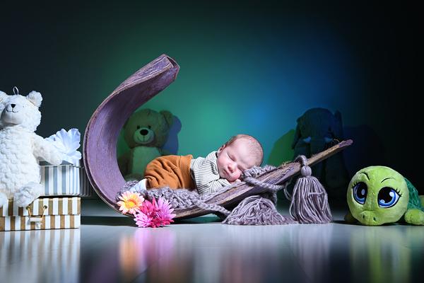 Marie beim Newborn Fotoshooting in Köln