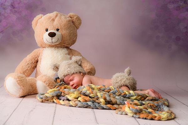 Newborn Fotos im Fotostudio Zerbes