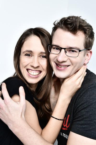 Natalie und Patrick beim Partner Fotoshooting im Fotostudio.