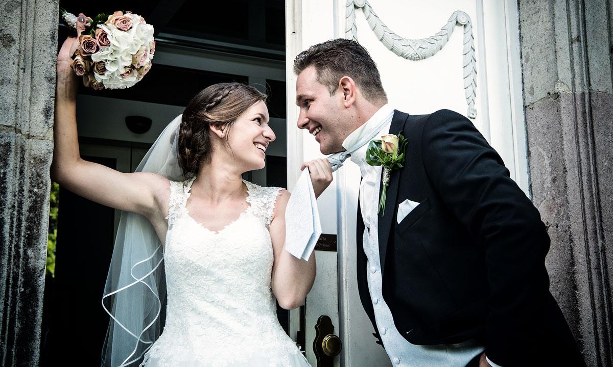 Hochzeitsfotograf für Hochzeitsfotografie, Hochzeitsreportage & Brautpaar Fotoshooting
