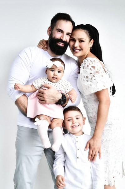 Familie mit Kindern authentisch fotografiert
